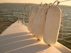 Czy warto ubezpieczać swoje zdrowie jadąc na kurs żeglarski